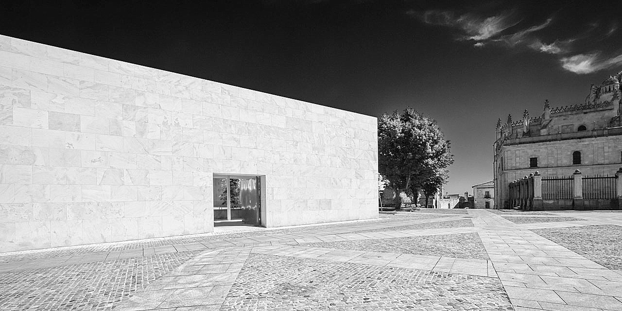 sundaymorning - Fabio Candido - Conclusus - A photographic study on Junta de Castilla y Leòn Headquarters, architect Alberto Campo Baeza